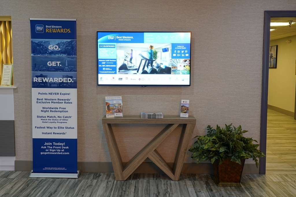 Best Western Plus Morristown Conference Center Hotel - Check the local weather forecast or find out about the latest Best Western Rewards promotion on our digital display board, located in the lobby.