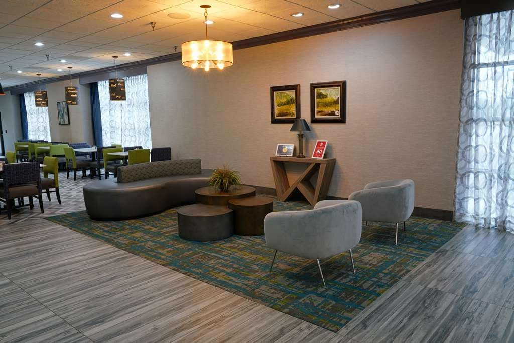 Best Western Plus Morristown Conference Center Hotel - Enjoy our newly renovated lobby.