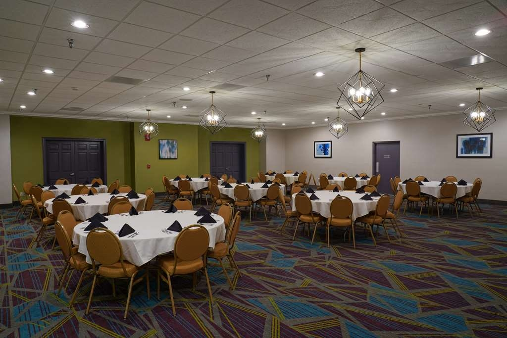Best Western Plus Morristown Conference Center Hotel - Our Oakwood Room can accommodate up 160 guests for that special event.