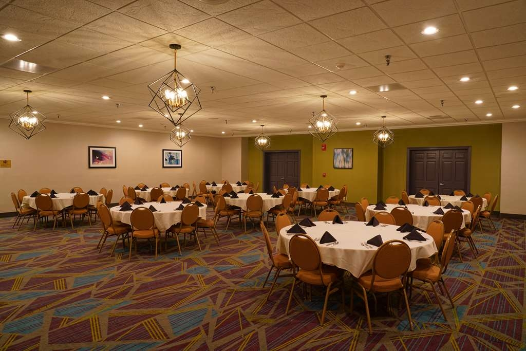 Best Western Plus Morristown Conference Center Hotel - We work with a local caterer to handle all your food & beverage needs to make your event special.