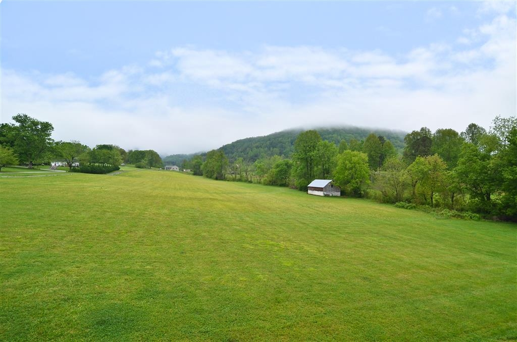 Best Western Cades Cove Inn - Enjoy the spectacular view from our property.