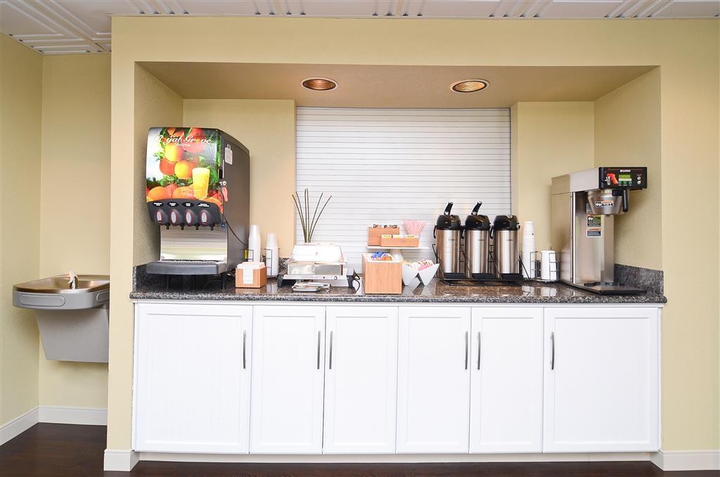 Best Western Cades Cove Inn - Salle de petit déjeuner