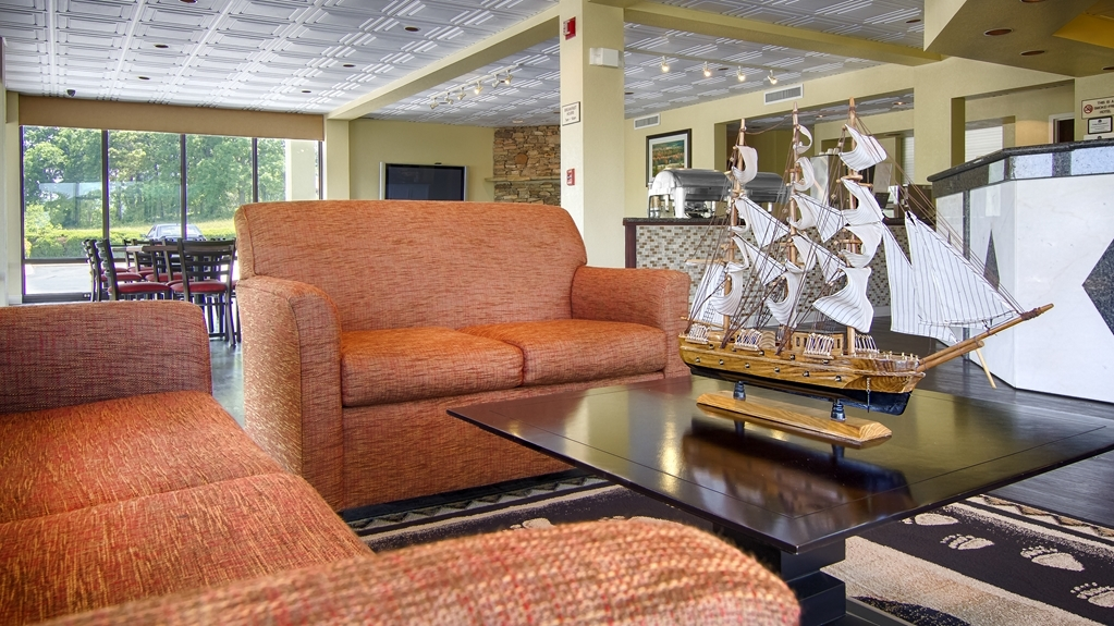 Best Western Cades Cove Inn - Our lobby is the perfect spot to relax after a long day of work and travel.