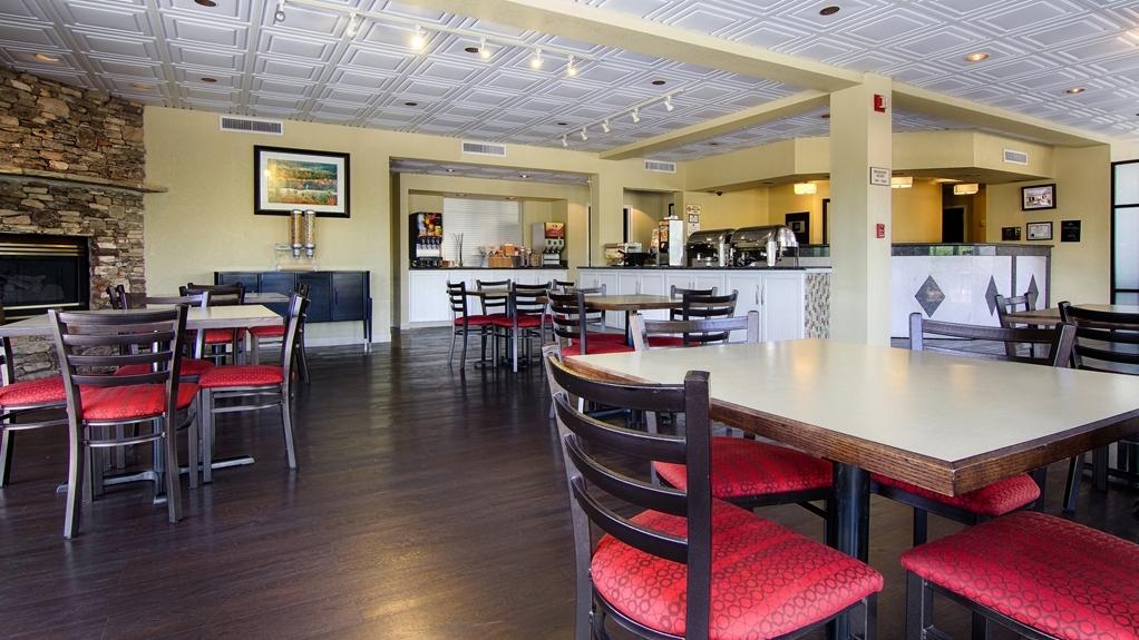 Best Western Cades Cove Inn - Le petit déjeuner buffet