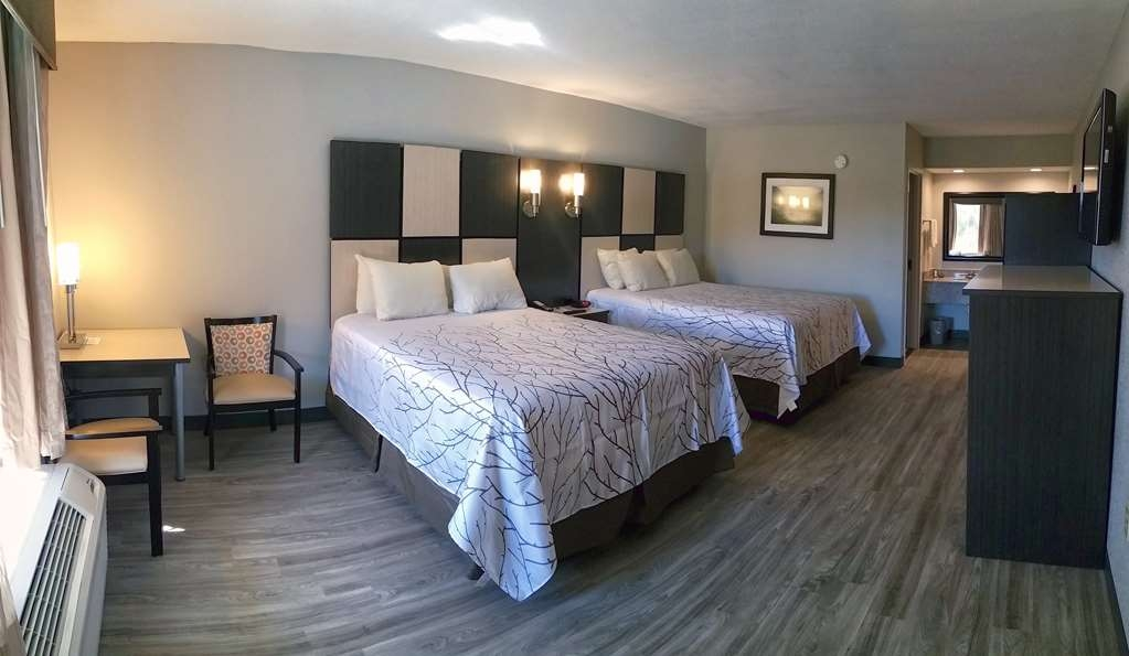 Best Western Cades Cove Inn - Enjoy the spaciousness of our Two Queen Guest Room.