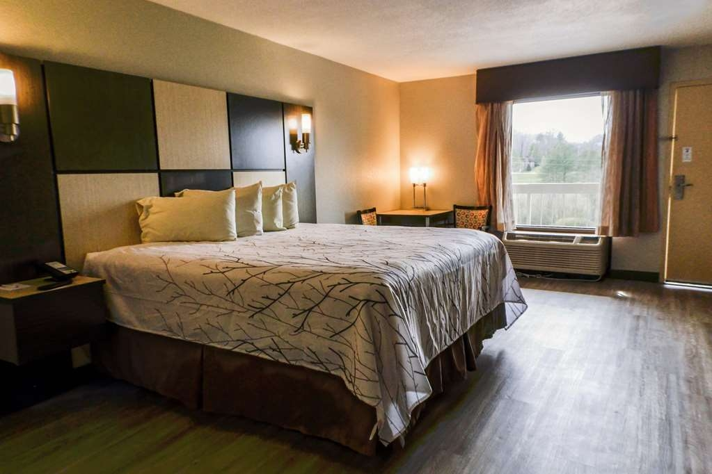 Best Western Cades Cove Inn - New hardwood floors are in each of our rooms.