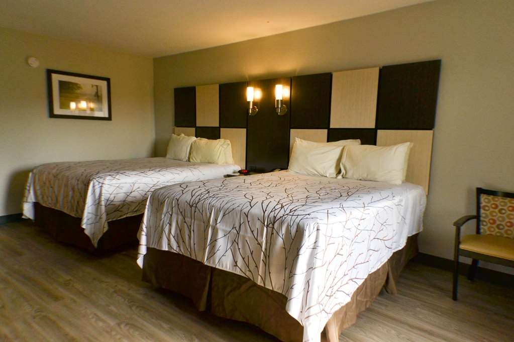 Best Western Cades Cove Inn - Sink into our comfortable beds each night and wake up feeling completely refreshed.