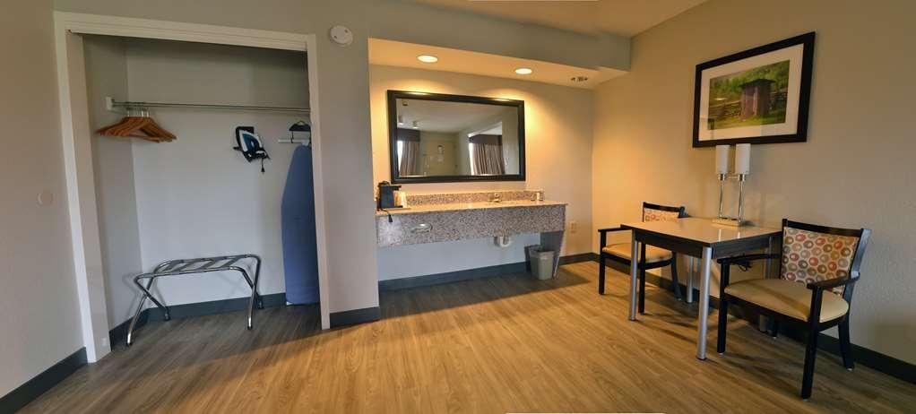 Best Western Cades Cove Inn - Gästezimmer/ Unterkünfte