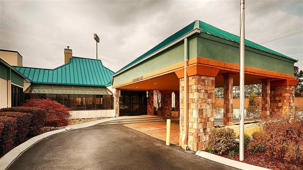 Best Western Plus Arbour Inn & Suites - Vista exterior