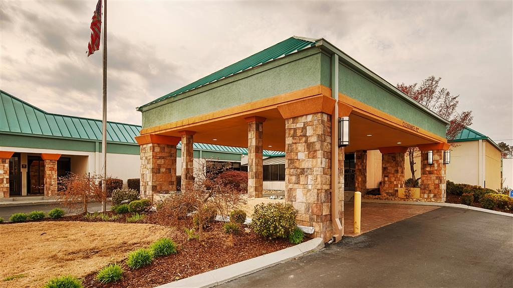 Best Western Plus Arbour Inn & Suites - Vista Exterior