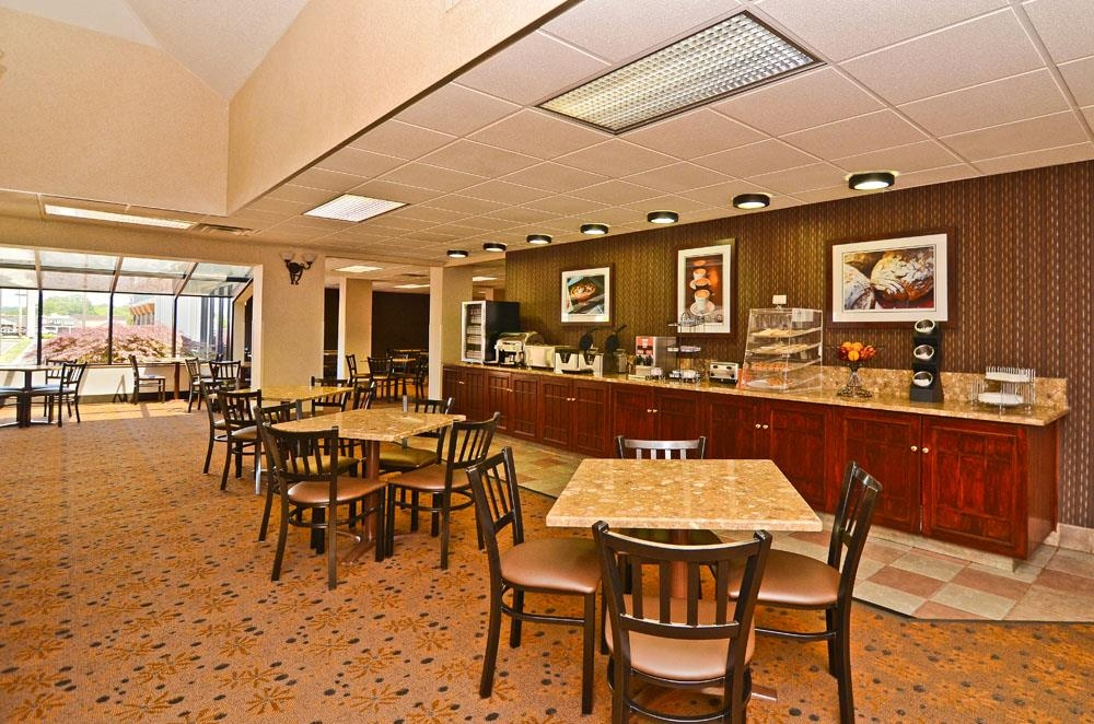 Best Western Plus Arbour Inn & Suites - Area colazione