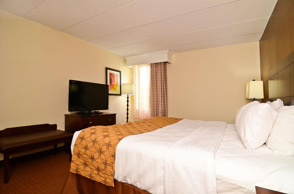 Best Western Plus Arbour Inn & Suites - Habitación