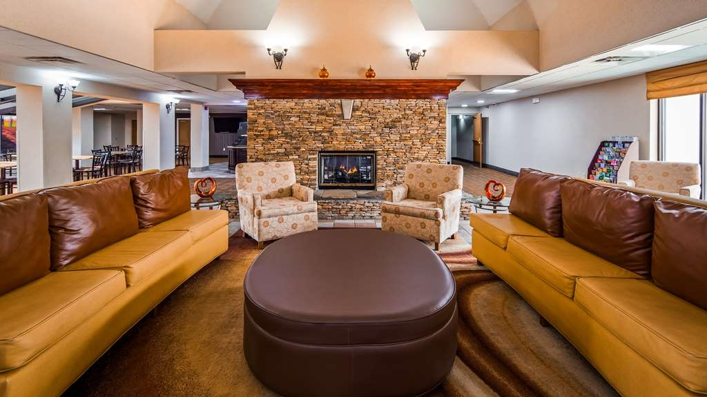 Best Western Plus Arbour Inn & Suites - Hall