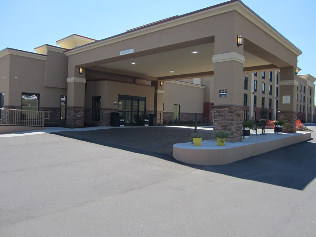 Best Western Plus Sunrise Inn - frente-exterior