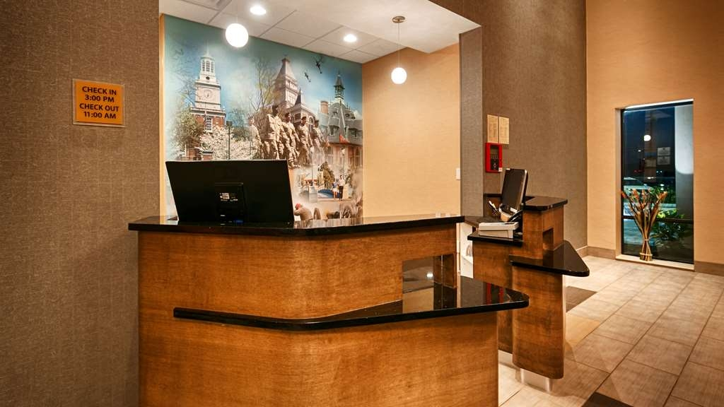 Best Western Plus Atrium Inn & Suites - empfang