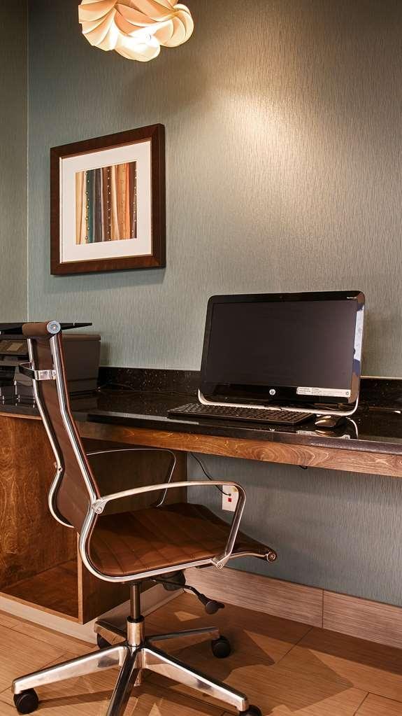 Best Western Plus Atrium Inn & Suites - Geschäft-zentrum