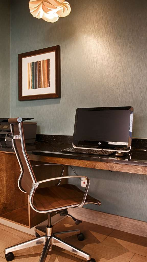 Best Western Plus Atrium Inn & Suites - Business Center