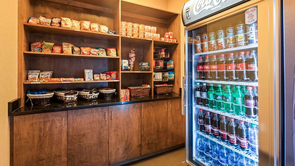 Best Western Plus Atrium Inn & Suites - Enjoy a later night snack or beverage at the Sundry loaced in our hotel lobby