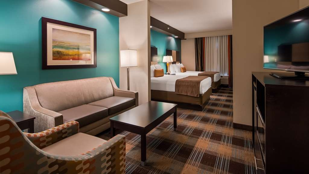 Best Western Plus Atrium Inn & Suites - Are you seeking pure, complete relaxation? Then make a reservation in our King Bed Suite.
