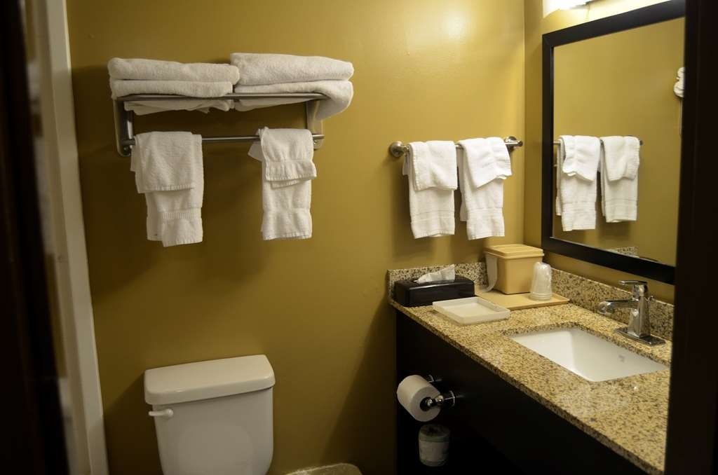 Best Western Kimball Inn - Guest Bathroom