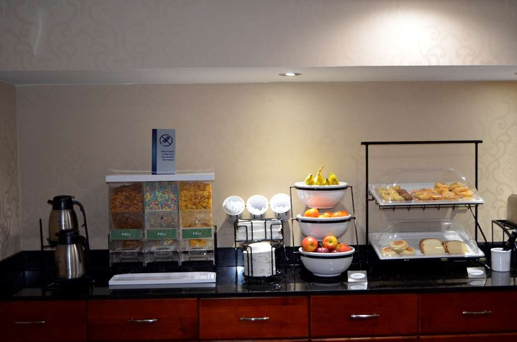 Best Western Kimball Inn - Breakfast Bar & Dining Area