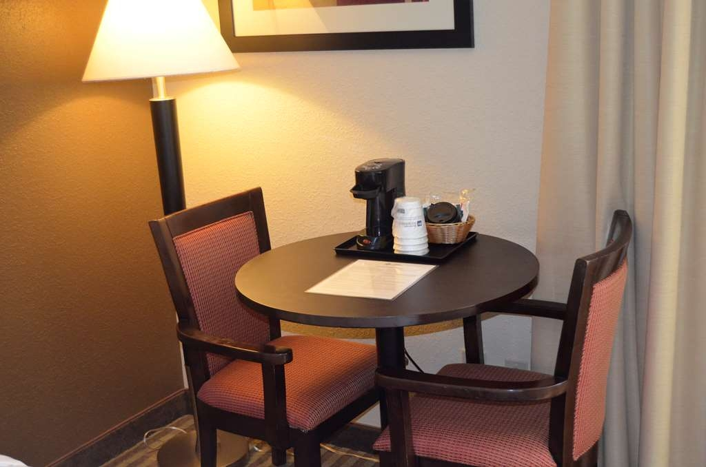 Best Western Kimball Inn - Round Table