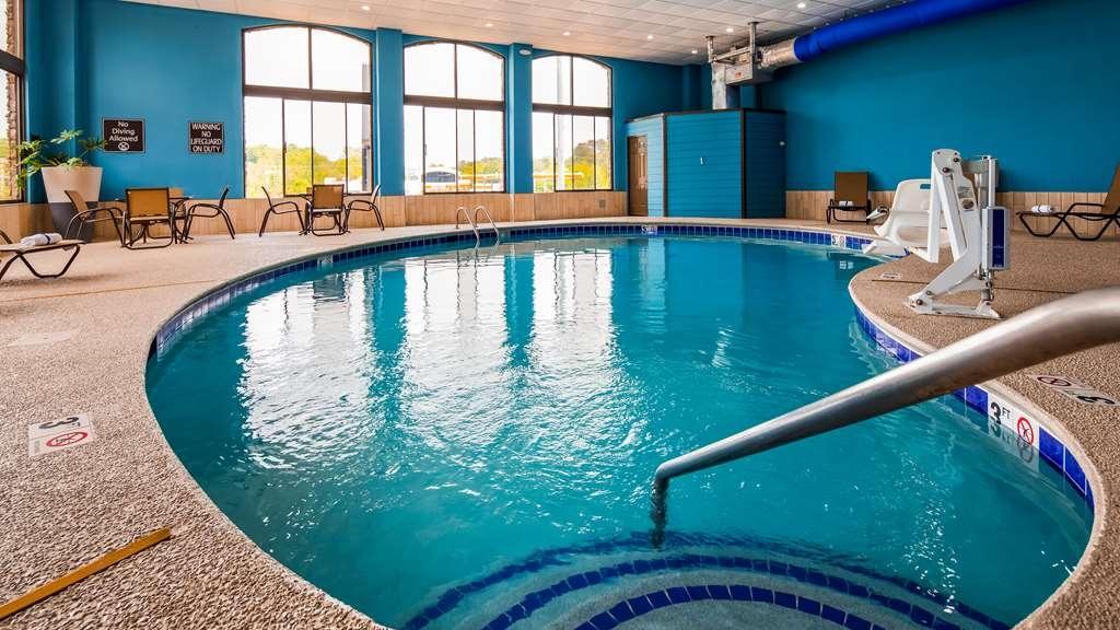 Best Western Sevierville/Kodak Inn - Vista de la piscina