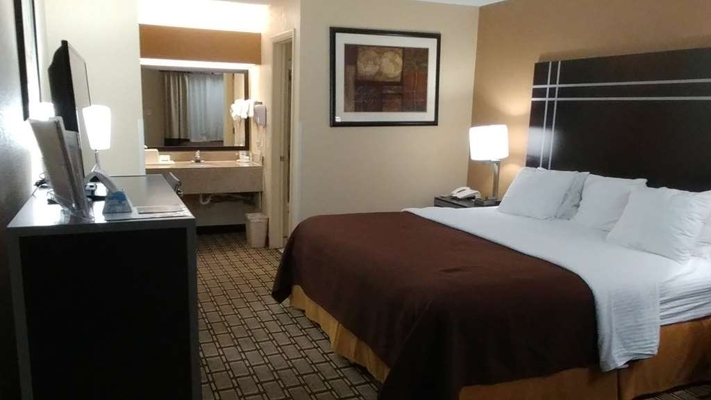 Best Western Nursanickel Hotel - Guest Room With One King Bed