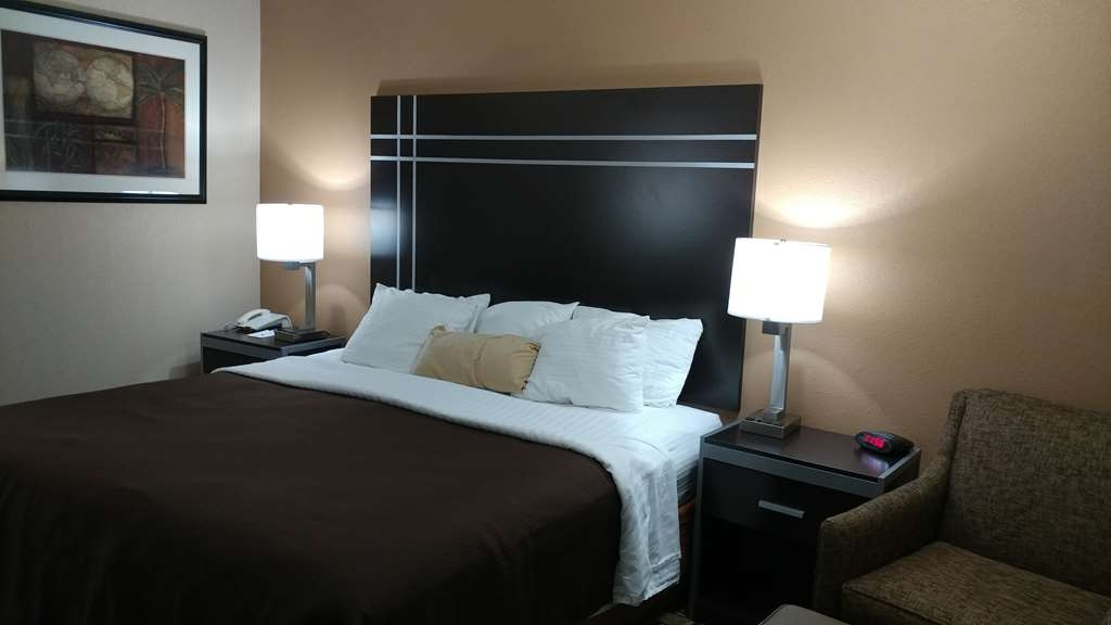Best Western Nursanickel Hotel - Our spacious king guest room is your home away from home!