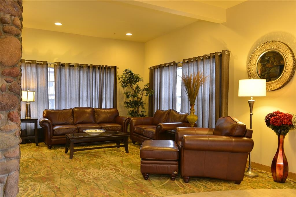 Best Western Swiss Clock Inn - Relax in our Lobby