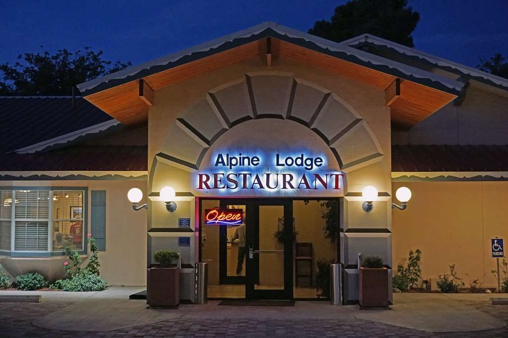 Best Western Swiss Clock Inn - The newly remodeled restaurant features breakfast and lunch buffets, and an exciting dinner menu.