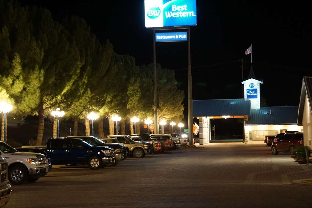 Best Western Swiss Clock Inn - We are ready to greet you - Morning, noon, and night