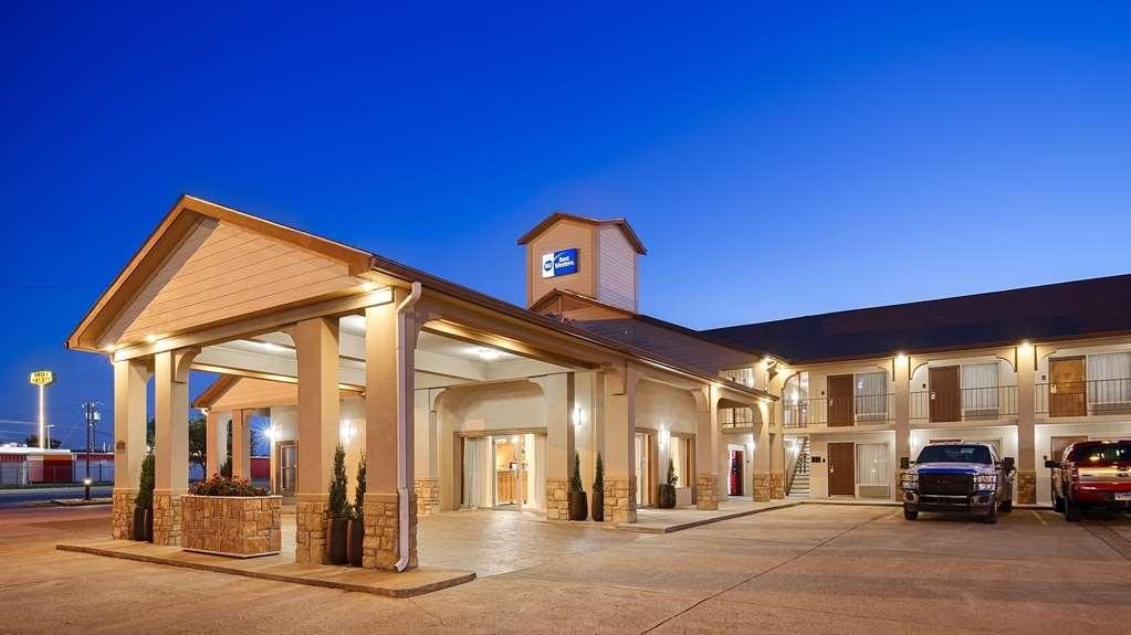 Best Western Canton Inn - Facciata dell'albergo