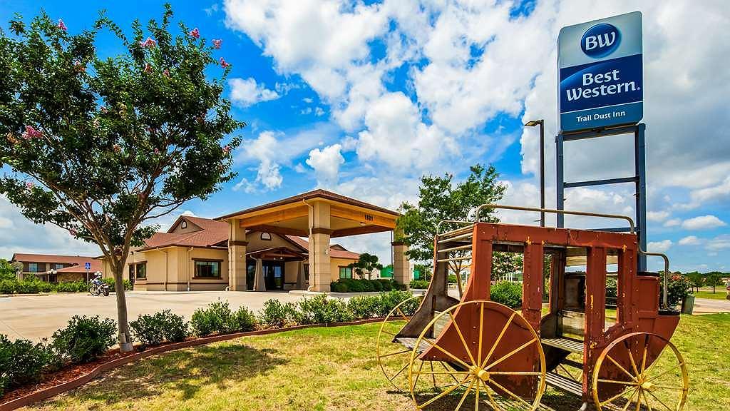 Best Western Trail Dust Inn & Suites - Area esterna