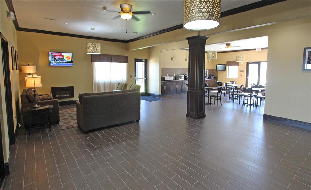 Best Western Trail Dust Inn & Suites - Lobby & Breakfast Area