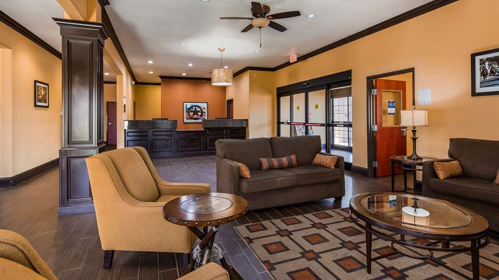 Best Western Trail Dust Inn & Suites - Lobby & Sitting Area