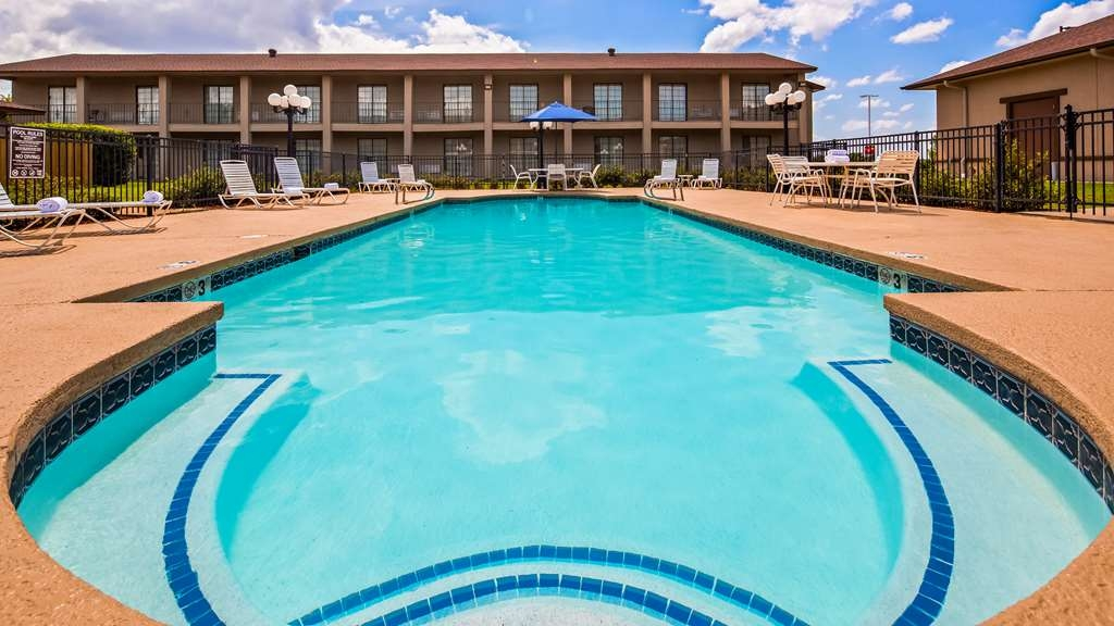 Best Western Trail Dust Inn & Suites - Outdoor Pool