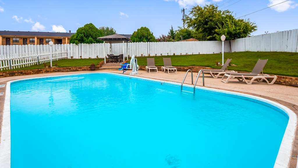 Best Western Decatur Inn - Poolansicht