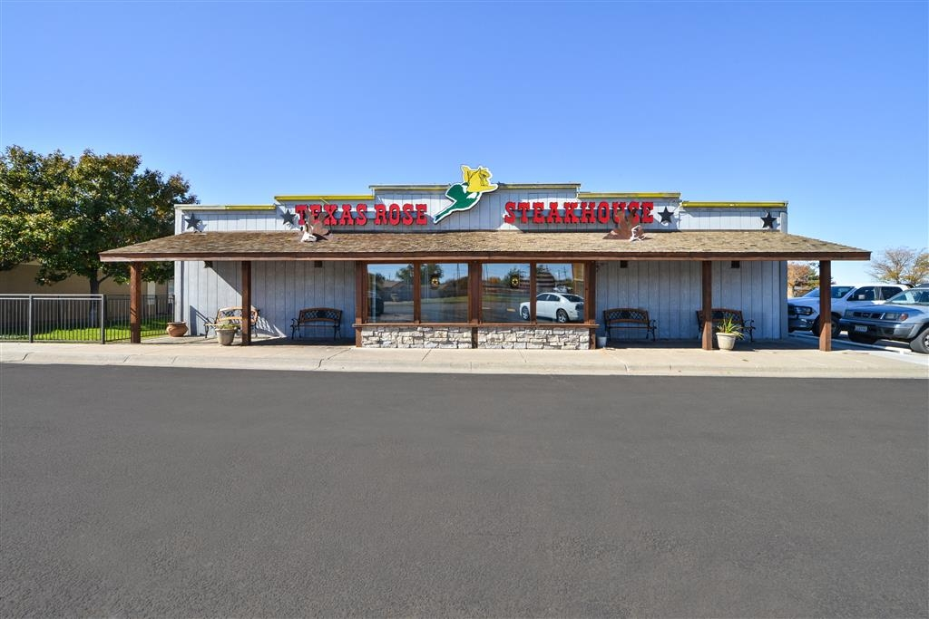Best Western Northgate Inn - Choose from a wide selection of dining options at our on-site restaurant.