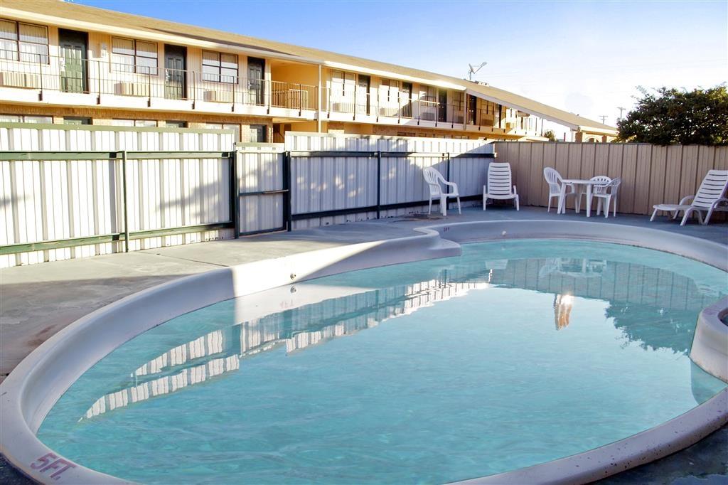 Best Western Caprock Inn - Piscine extérieure