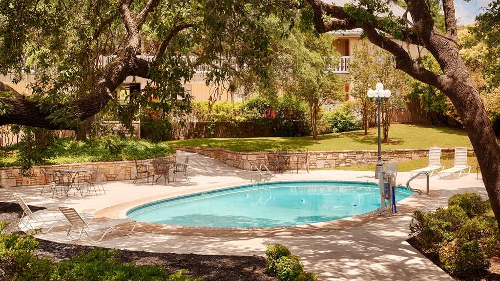 Best Western Sunday House Inn - Piscina