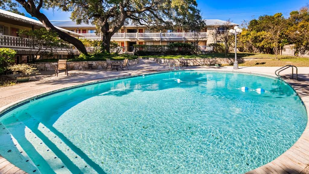 Best Western Sunday House Inn - Outdoor Pool