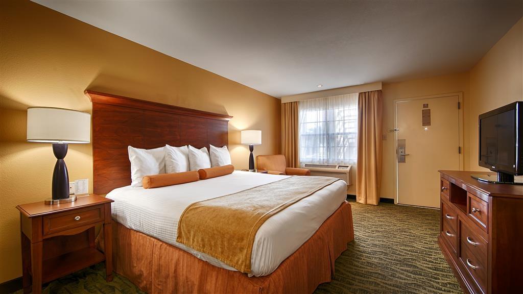 Best Western Rose Garden Inn & Suites - Habitación