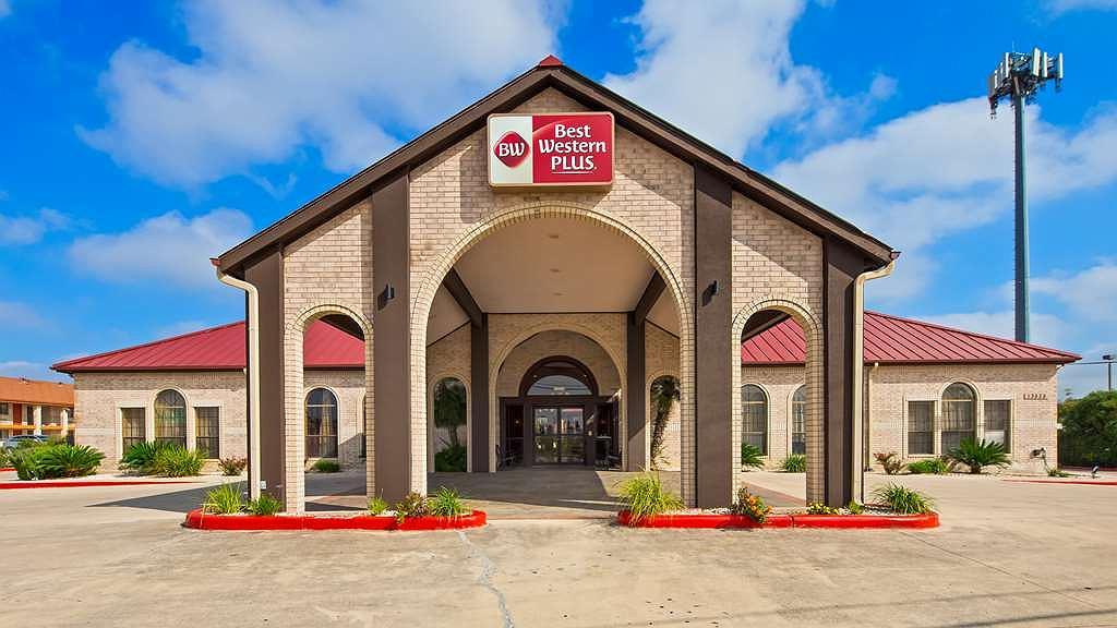 Best Western Plus Fiesta Inn - Area esterna
