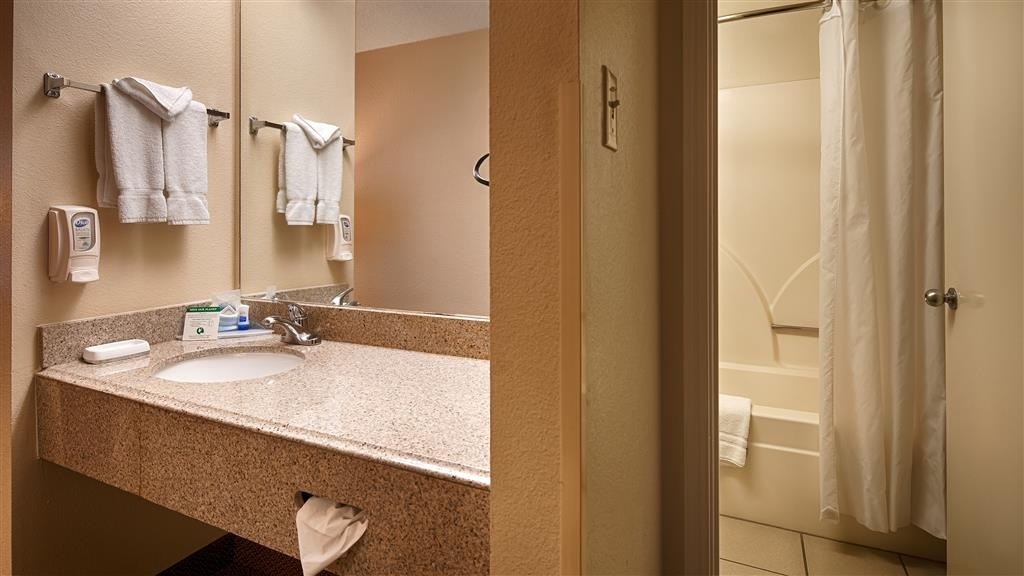 Best Western Plus Fiesta Inn - Baño