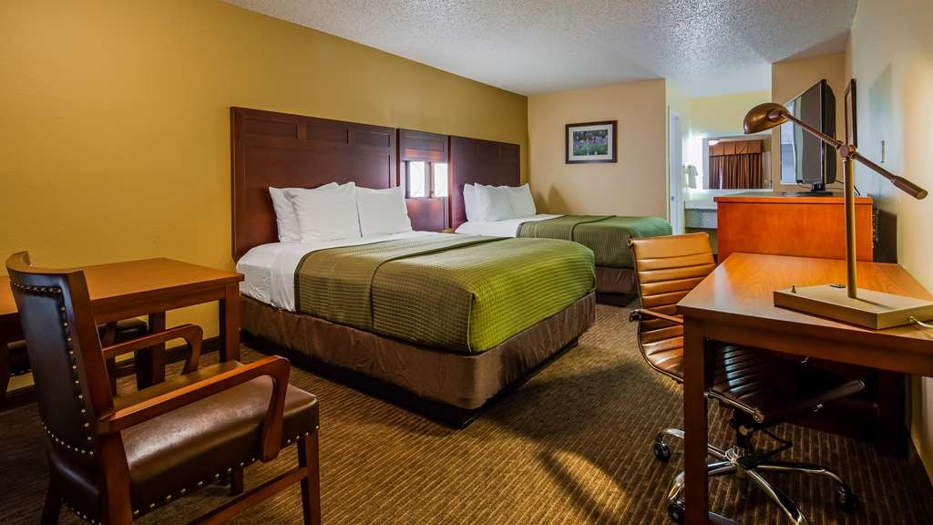 Best Western Llano - Two Queen Bedded Guestroom