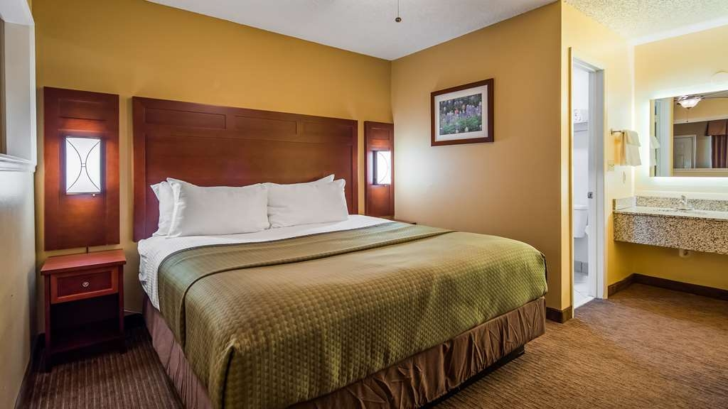 Best Western Llano - Have the perfect family trip in Llano, TX and stay in one of our suites.