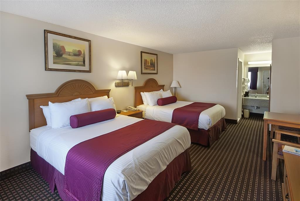 Best Western Brady Inn - All of our spacious guest rooms include a 32-inch flat screen TV, microwave and refrigerator.