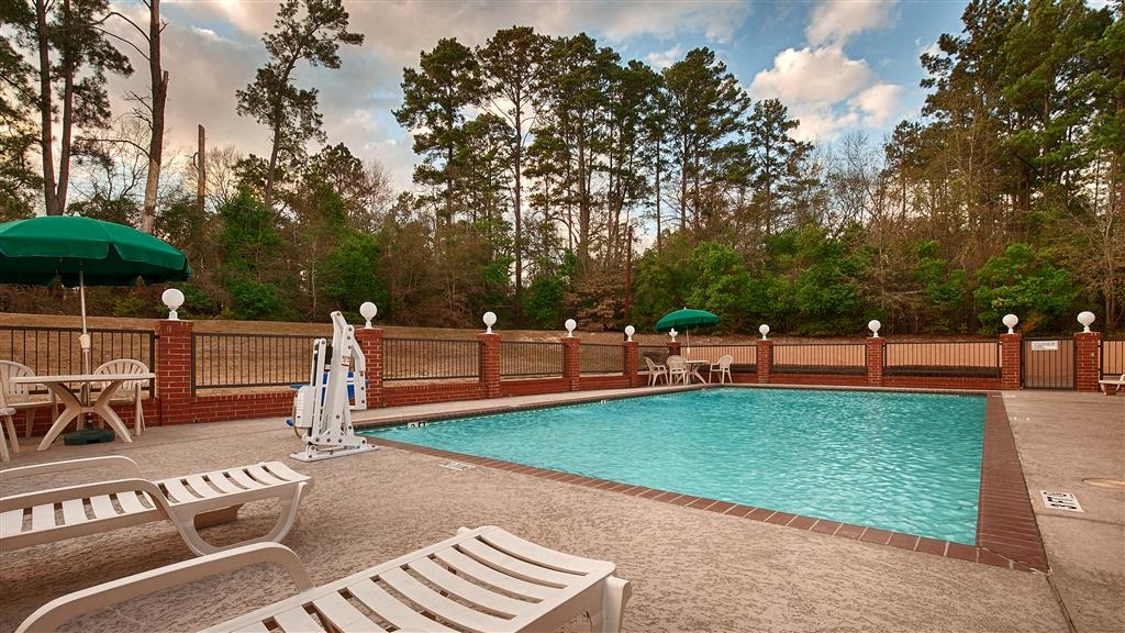 Best Western Inn of Nacogdoches - Piscina al aire libre