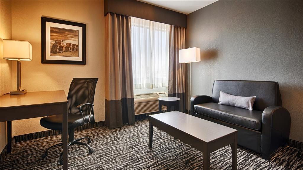 Best Western Santa Fe - Relax in a comfortable chair while you watch television on our 40-inch flat screen televisions in our large king rooms.